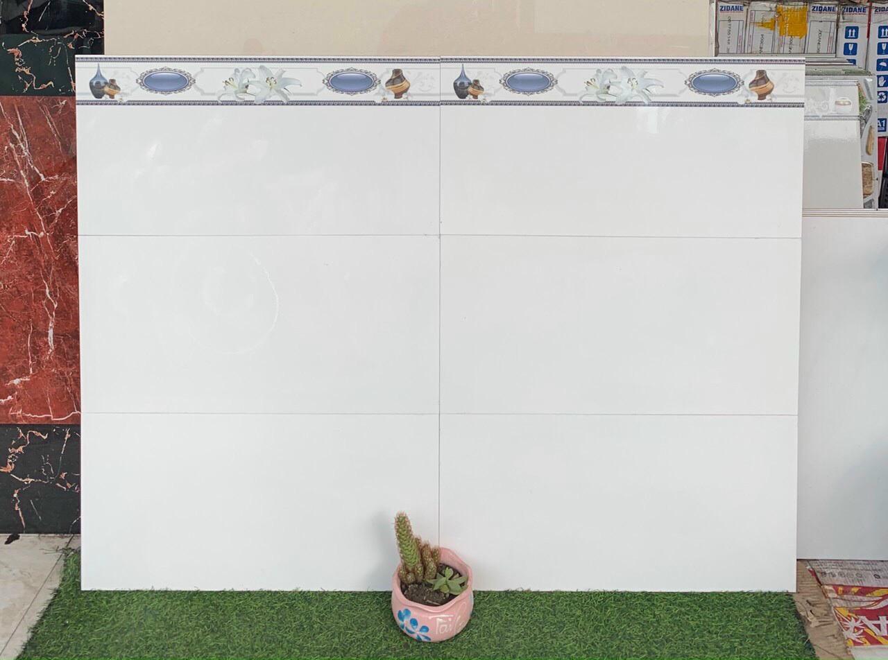 Gạch ốp tường 30x60 cm trắng trơn giá rẻ Bình Tân